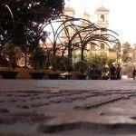 en la plaza Santo Domingo hay 2 placas