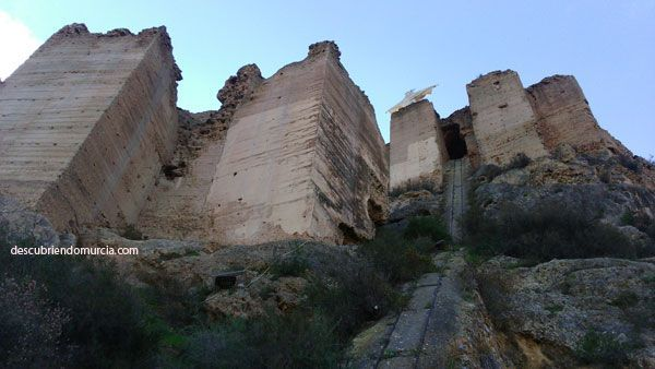 Castillo Monteagudo Es peligroso subir al Castillo de Monteagudo