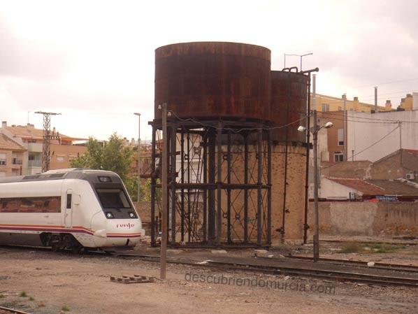 Estacion Tren Murcia depositos agua1 La Asociación Murciana de Amigos del Ferrocarril quiere un Museo Ferroviario para Murcia