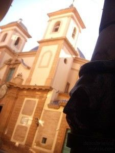 Iglesia San Juan Murcia 225x300 Tuberías con caras, por los edificios de Murcia