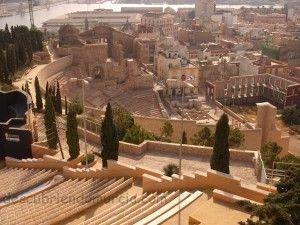 Catedral Vieja Cartagena 300x225 Los tremises áureos de Cartagena y la American Numismatic Society
