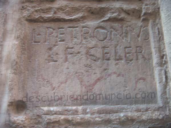 lapida romana Iglesia San Nicolas Murcia Los inicios Romanos de la ciudad de Murcia