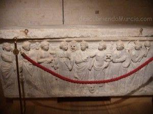 sarcofago Gil Rodriguez de Junteron Catedral Murcia 300x225 El sarcófago romano de Gil Rodríguez de Junterón