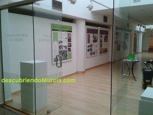 Centro Municipal El Carmen exposicion 300x225 Exposición sobre la historia del Barrio del Carmen