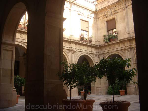 Palacio Episcopal Murcia patio Torre de las Lavanderas, la casa maldita de Churra