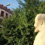 El decapitado busto del poeta Sánchez Madrigal