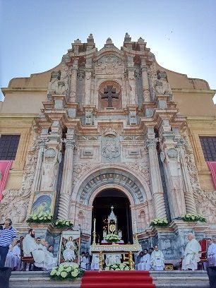 Cruz Caravaca Santuario ¿Trajeron los Templarios la Cruz de Caravaca de Segovia?...