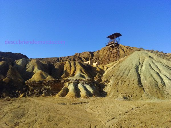 Minas de Mazarron El Ayuntamiento, los consulados y las minas de Mazarrón