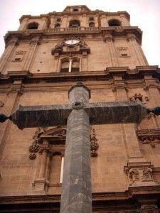 Torre de la Catedral Murcia La Peste Valenciana, la persecución a las prostitutas y el Obispo que murió junto a su pueblo