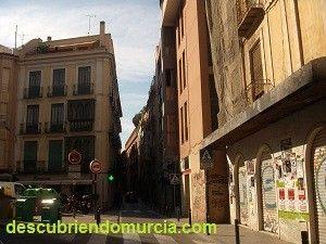 calle San Nicolas Murcia Cuchillos de cuerno de cabra en la Medina Islámica de Murcia