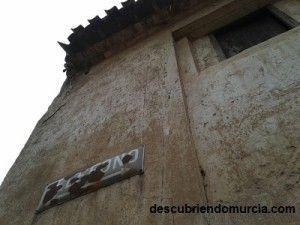 curioso cartel en Murcia 300x225 Un teléfono público en la carretera El Palmar   Mazarrón