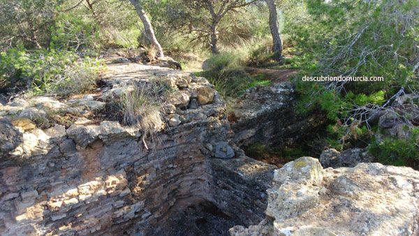 ruinas del castillo Portazgo superior en puerto de La Cadena, Murcia.