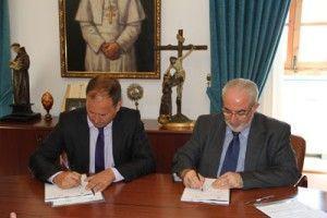 UCAM Coco School Firma convenio 300x200 Acuerdo entre la UCAM y la Escuela Europea para la Comunicación y las Artes Visuales