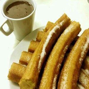 Churreria La Rueda Murcia Churrería La Rueda y sus tradicionales churros con chocolate