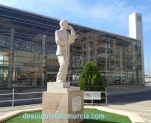 Miguel Hernandez 300x246 Miguel Hernández, el poeta murciano de Orihuela