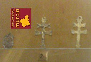 Cruz Caravaca 300x203 La Cruz de Caravaca, seña de identidad de un pueblo