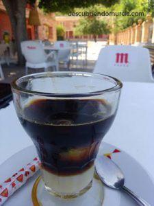 cafe asiatico 225x300 ¿Quién inventó el Café Asiático de Cartagena?