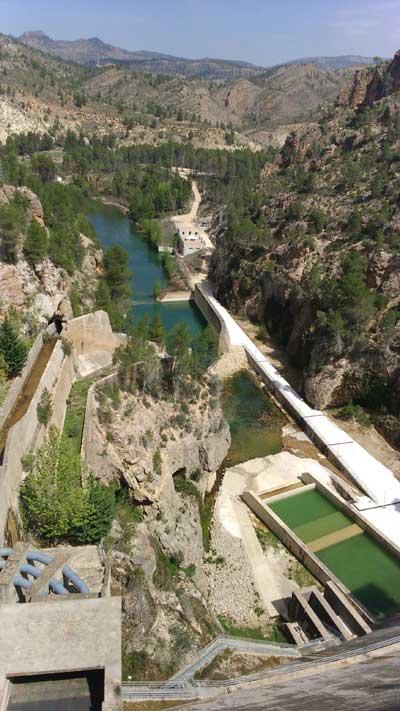 Pantano de la Fuensanta rio Segura El río Segura podría dejar de generar la mitad de sus recursos