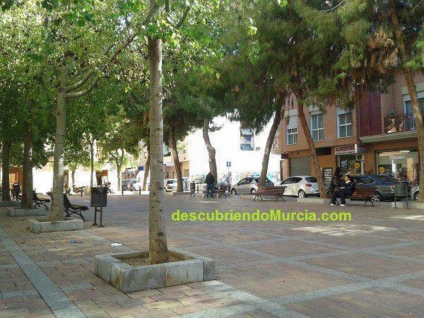 Plaza Zarandona Murcia El Imperial, el River Thader y el campo de Zarandona