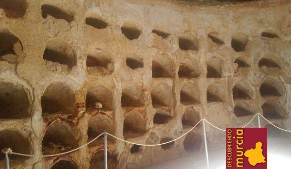 muralla cartagena cripta Danzas de la muerte en la cripta de San José, Cartagena